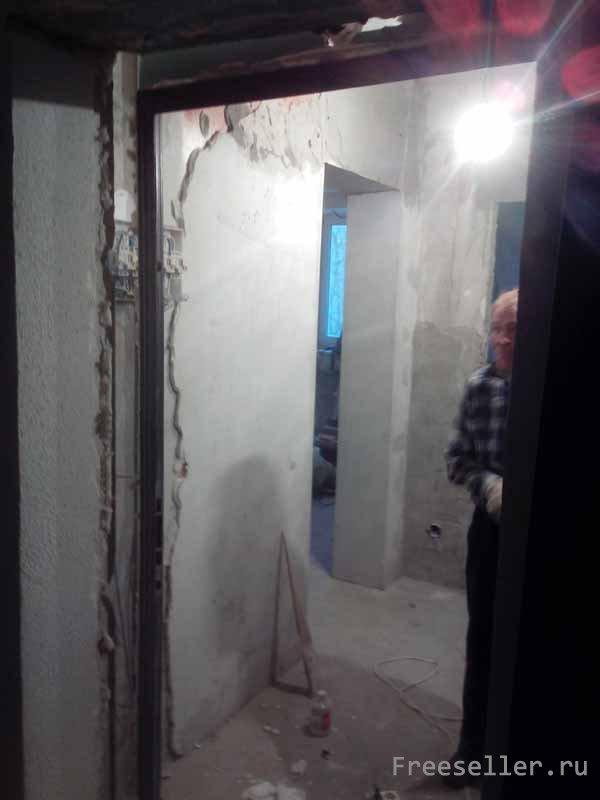 Демонтаж двери металлической