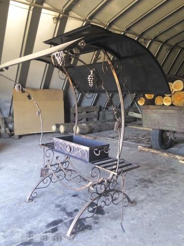 Деревянную мебель элементами ковки своими руками фото 310