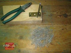 Простое приспособление для изготовления крючков из проволоки