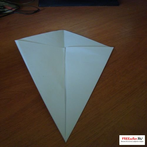 Как сделать воздушный змей из бумаги.