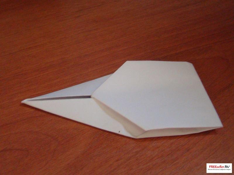 Как сделать гоночку из бумаги.