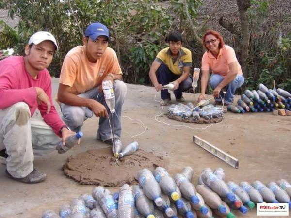 Дом из пластиковых бутылок