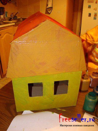 Новогодний домик из коробки своими руками
