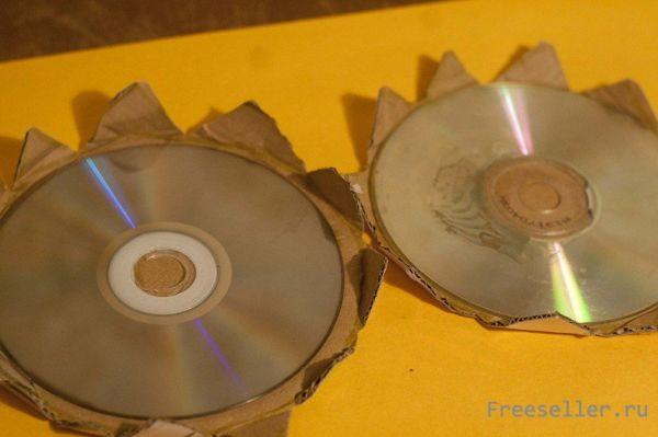 Самодельная коробочка из картона и CD дисков