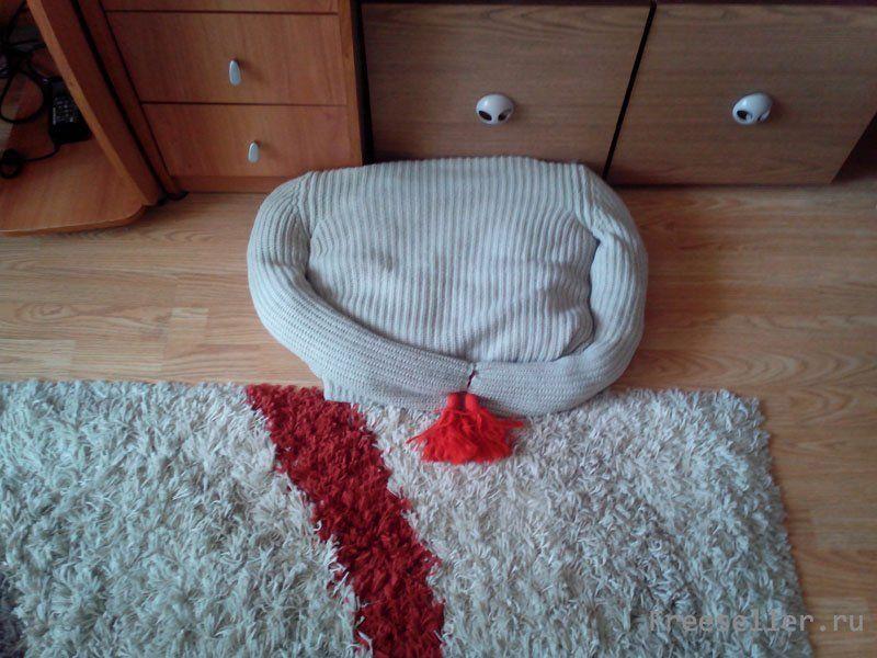 Лежанка для котов из свитера своими руками 754