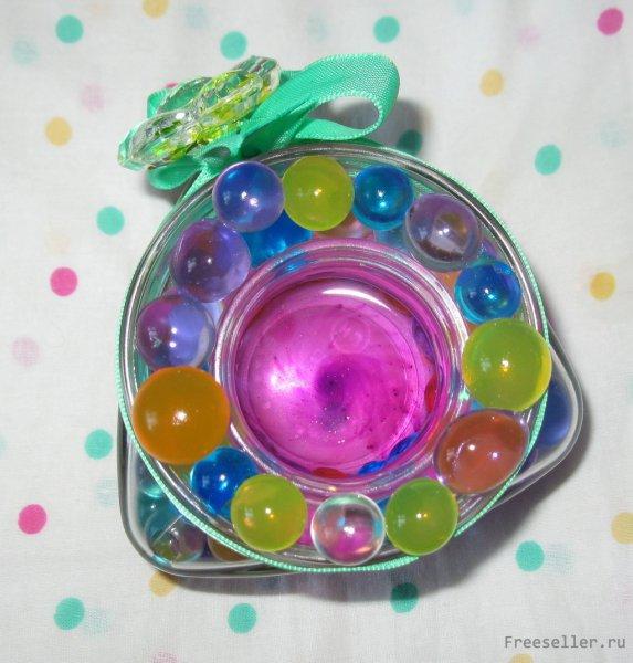 Самодельный подсвечник из водяных шариков для цветов