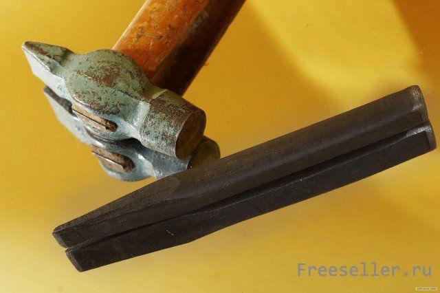 Самодельная вешалка с крючками