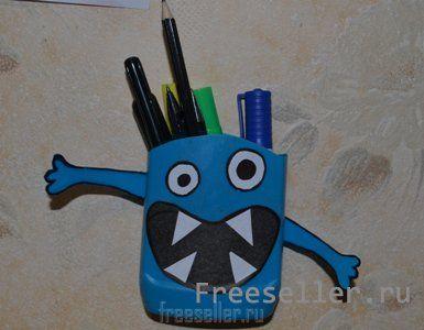 Веселая карандашница из баночки от моющего средства