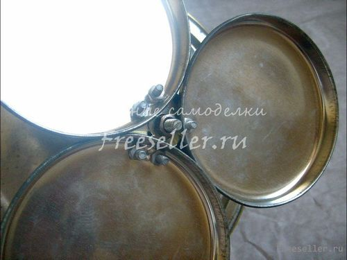 Стойка для кухонных мелочей из жестяных крышек