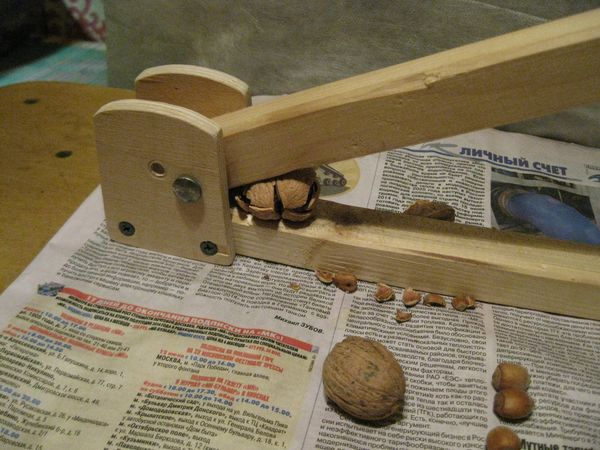 Станок для колки грецкого ореха своими руками
