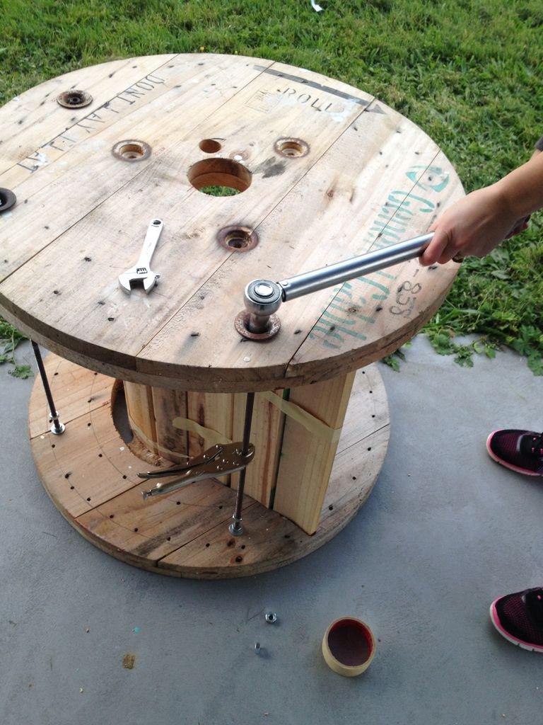 Стол из барабана от кабеля своими руками