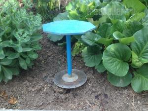 Стул - грибок для садового участка