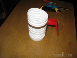 Самодельная кружка-совок для сыпучих продуктов