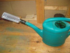 Самодельная насадка-лейка на садовый поливан