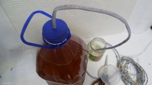 Как бесплатно и быстро из подручных материалов сделать гидрозатвор для вина