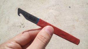 Простой инструмент для снятия изоляции проводов своими руками